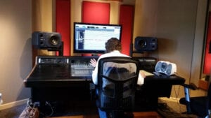 David i lettere ekstase ved mixerpulten... :-)